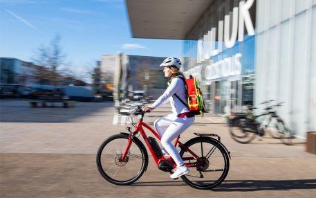 AOK-Hausarztvertrag: Nun gibt es auch E-Bikes für VERAH